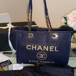 NWT 19A navy and gold Chanel deauville